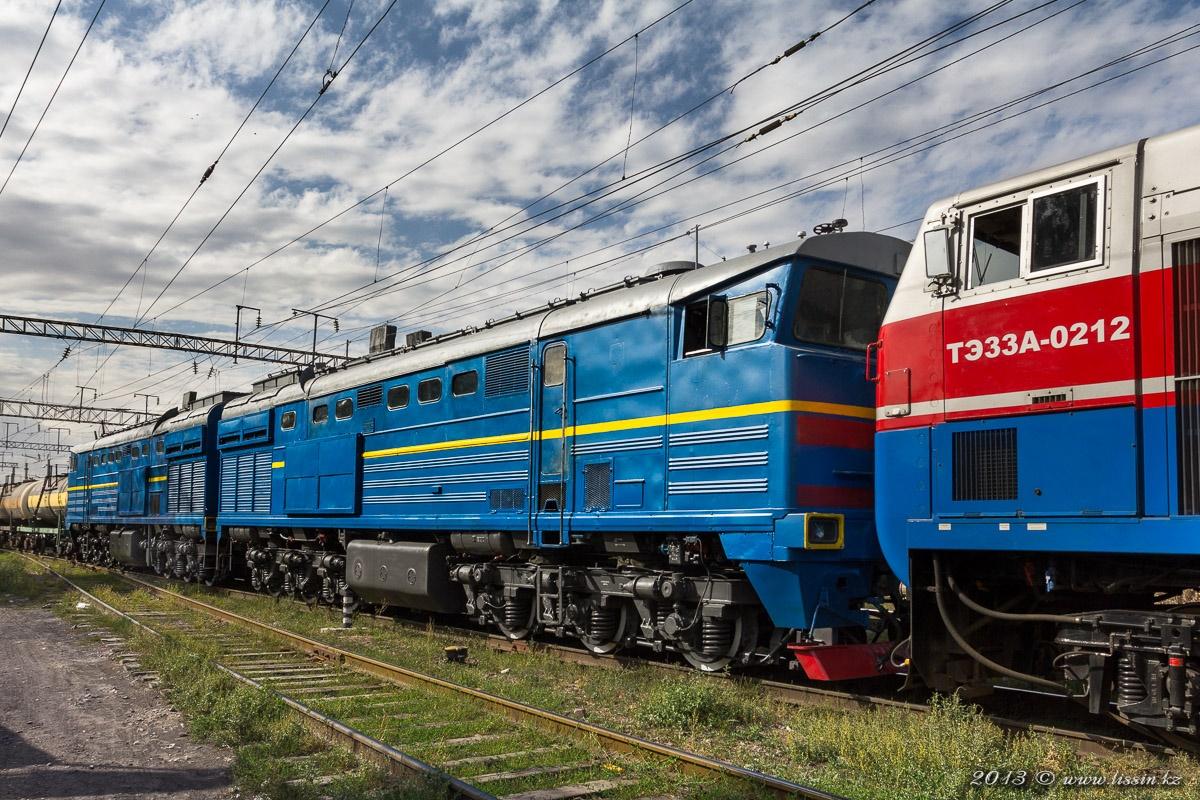 ТЭ33А-0212 и 2ТЭ10М-3220 отправляются с грузового парка станции Алма-Ата-1, 30.08.13г. #1