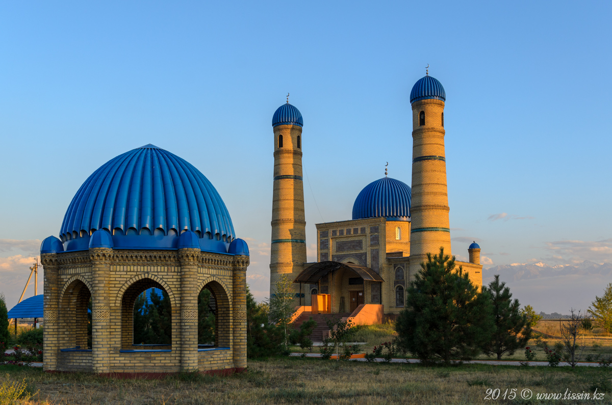 Мечеть в селе Аксенгир, Алматинская область, 05.09.15г.