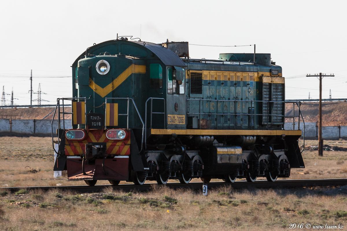 ТЭМ2-7095 в Байконуре на станции Тюратам, 11.04.16г. #1