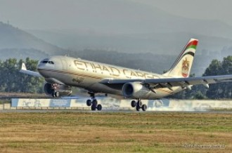 A6-DCA Etihad Airways Airbus A330, 16.09.12