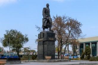 Памятник революционеру Алиби Джангильдину, 02.11.13г