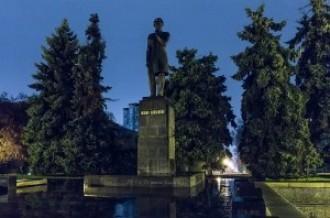 Памятник Чокану Валиханову, 05.04.14г