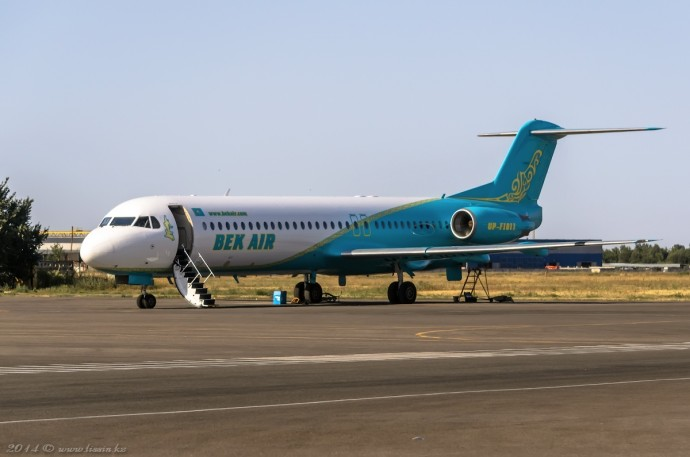 UP-F1011 Fokker F100, 12.08.14г