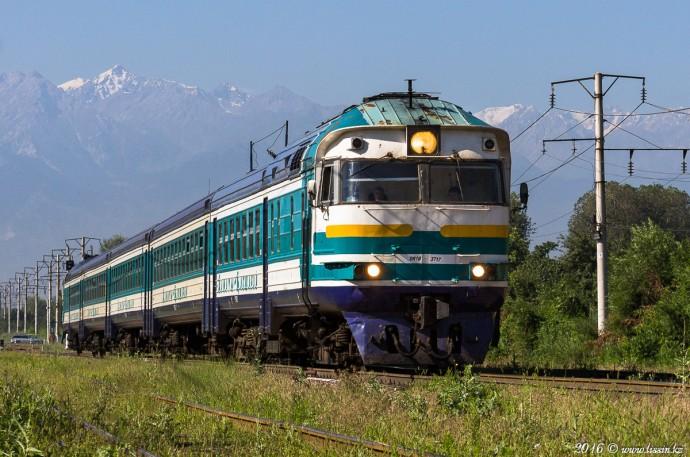 Дизель поезд DR1B-3717 Алма-Ата-1— Капчагай, 16.07.16г