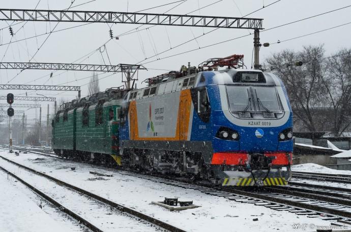 KZ4AT-0019 и ВЛ80С-1800, 19.02.17г