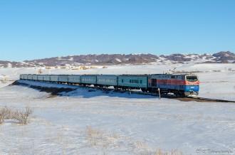ТЭ33А-0275 с поездом №352 Оскемен— Алматы, 23.02.19г