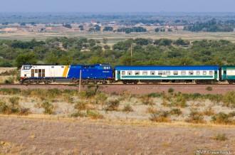ТЭП33А-0004 с поездом Ташкент— Новосибирск, 15.07.19г