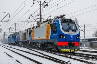 KZ4AT-0017 в сплотке на станции Алматы-1, 16.01.20г