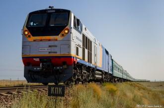 ТЭП33А-0016 с поездом Кызылорда— Семипалатинск, 16.07.19г