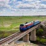 Тепловоз ТЭ33А-0210 с «рабочим» поездом, 29.04.16г.